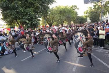 Flash Mob JOGED NJALAR KontingenKecamatan Pakualamandalam acara JOGJA CROSS CULTURE 14 Kecamatan Se-Kota Yogyakarta