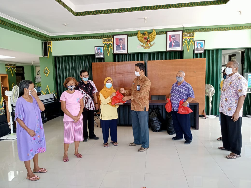 Bantuan Sembako Untuk Lansia Di Bulan Ramadhan
