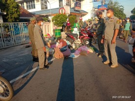 Edukasi Pedagang Pasar Sentul Kemantren Pakualaman